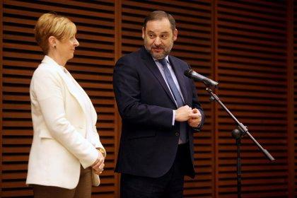 Ábalos mantiene 2023 como fecha para concluir la 'Y' vasca del AVE