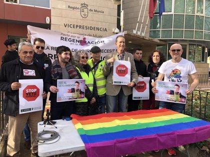 """Convocan este martes una concentración en Murcia contra la """"locura e ilegalidad"""" del 'pin parental'"""