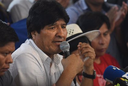 """Morales defiende que ganó las elecciones """"limpiamente"""" y dice que Bolivia es ahora un país de """"asesinatos y censura"""""""