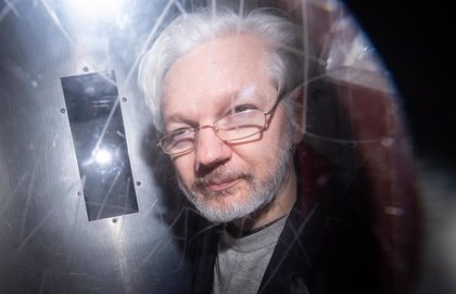 La defensa de Assange presenta una demanda contra el Estado ecuatoriano ante la CIDH