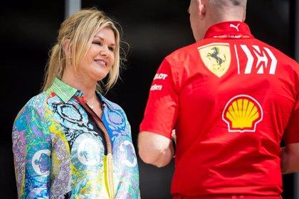 La mujer de Schumacher denuncia unas fotos robadas del piloto postrado en la cama