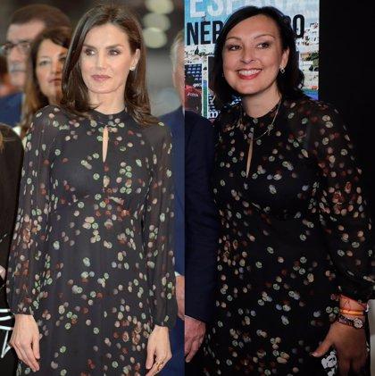 La Reina Letizia en Fitur, mismo vestido que la concejala de Nerja de Massimo Dutti