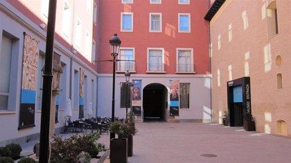 La jornada 'San Valero, de par en par' permite visitar la escalera monumental del Seminario de San Carlos de Zaragoza