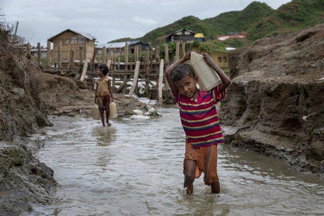 Un nen refugiat rohingya a Bangladesh