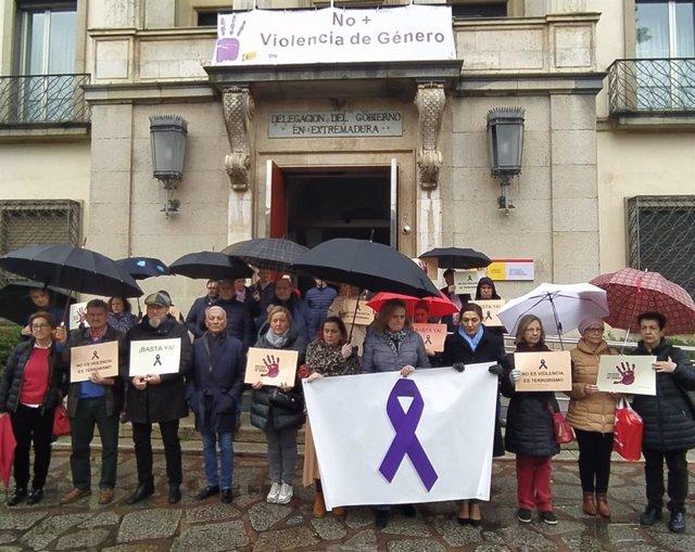 MInuto de silencio en la Delegación del Gobierno en Badajoz
