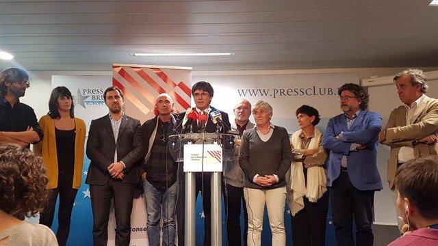 L'expresident de la Generalitat Carles Puigdemont després de reunir-se amb el Consell per la República