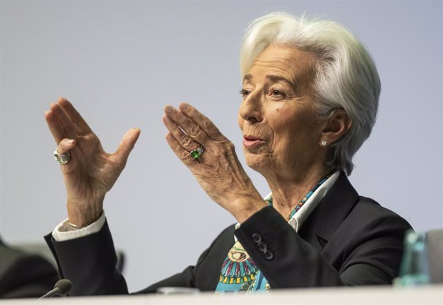 12 December 2019, Hessen, Frankfurt/Main: Christine Lagarde, President of the European Central Bank (ECB), gestures during her first press conference after the Governing Council meeting. Photo: Frank Rumpenhorst/dpa