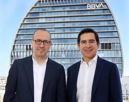 BBVA lidera las captaciones de planes de pensiones, pero no supera la cuota de Caixabank