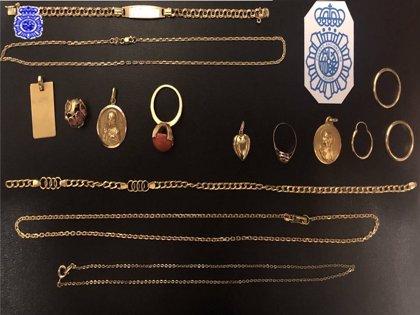 Detenida por robar joyas del domicilio en el que trabajaba como empleada cuidando a una persona mayor