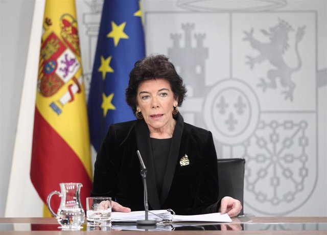 La portavoz y ministra de Educación en funciones, Isabel Celaá, en una rueda de prensa tras el Consejo de Ministros en La Moncloa