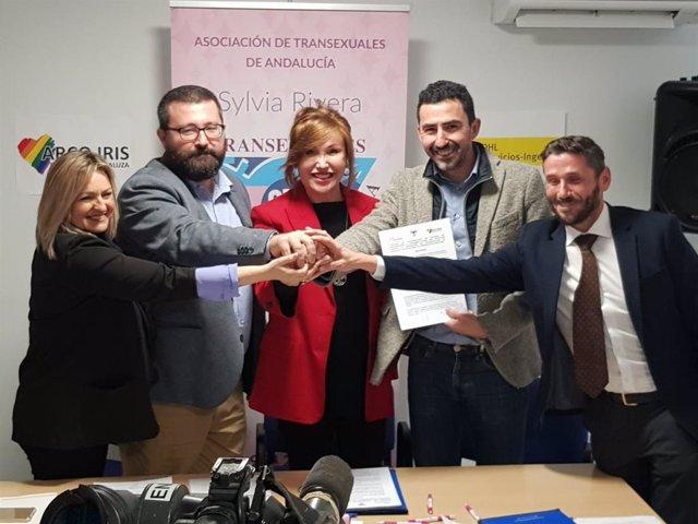 Asociación de transexuales de Andalucía firma un convenio con una empresa para impulsar la contratación de transexuales.