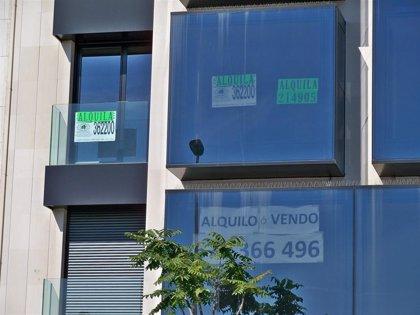 """Banco de España ve """"efectivo"""" regular el precio del alquiler a corto plazo pero genera """"efectos adversos"""""""