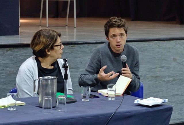 Los diputados de Más País Íñigo Errejón e Inés Sabanés intervienen en una jornada dedicada a proponer medidas contra los desequilibrios en la zona sureste de Madrid.
