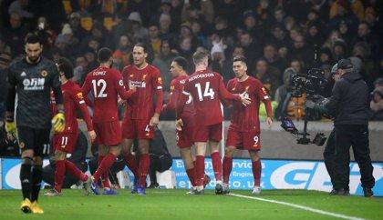Firmino tumba a los Wolves con un Liverpool imparable