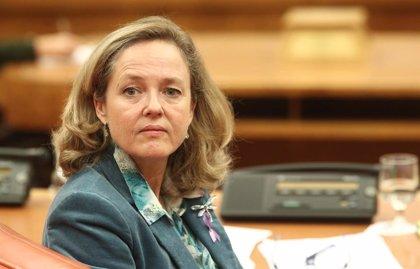 Calviño defiende la revisión de deducciones fiscales tras los consejos de Bankinter sobre las 'sicav'