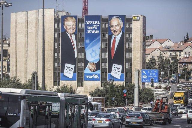 Trump y Netanyahu en un cartel de publicidad electoral.