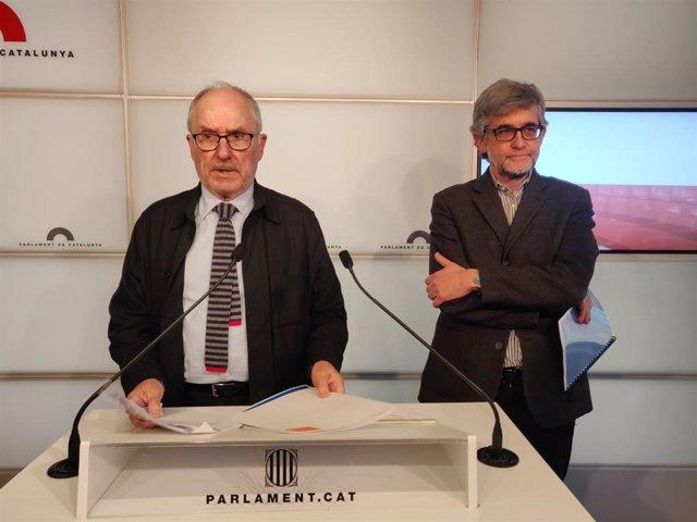 El síndic de Greuges, Rafael Ribó, y su adjunto general, Jaume Saura.