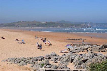 El Gobierno adelanta la convocatoria de ayudas para salvamento en playas