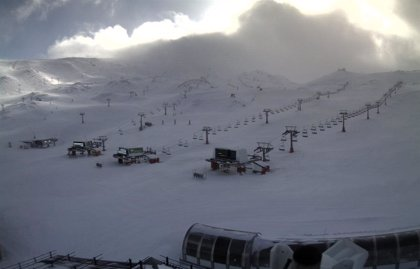 Sierra Nevada abre pistas tras 48 horas cerrada por los fuertes vientos