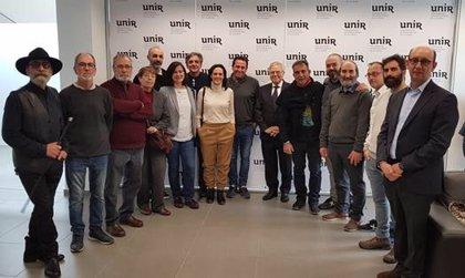 La UNIR recibe la visita de 13 artistas riojanos