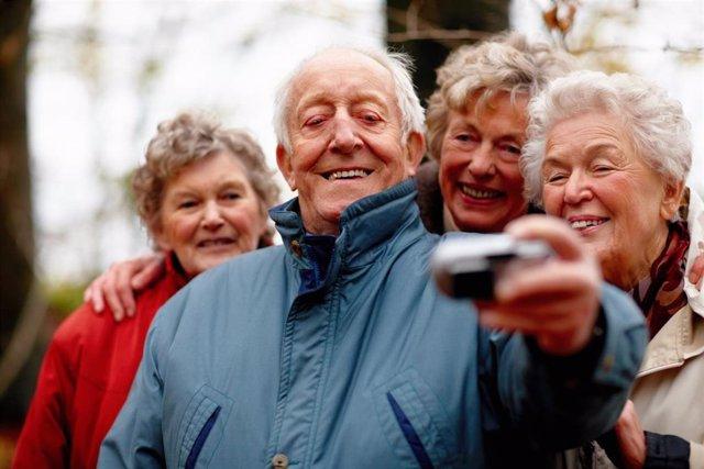Teléfono, ancianos, mujeres, hombre.