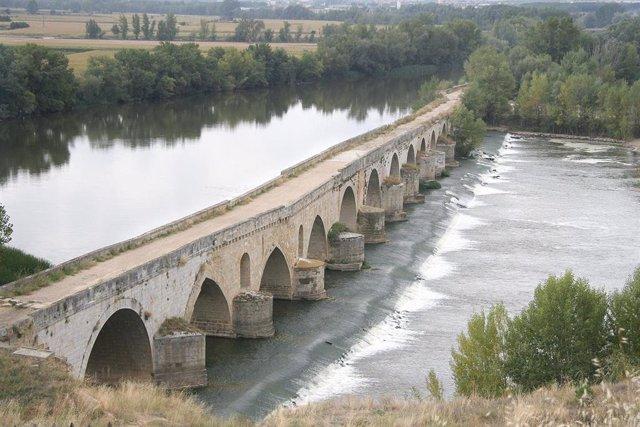 Vista del río Duero a su paso por Toro (Zamora)
