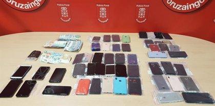 Cuatro detenidos en Irurtzun con 53 teléfonos móviles sustraídos en San Sebastián durante la tamborrada