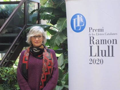 Núria Pradas gana el Premi Ramon Llull con 'Tota una vida per recordar'
