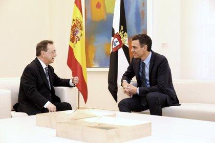 """Presidente de Ceuta pide a Sánchez por carta una reacción """"enérgica"""" frente a la estrategia de """"asfixia"""" de Marruecos"""