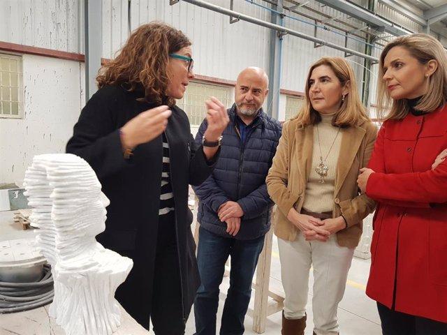 La consejera de Empleo visita la Escuela del Mármol de Andalucía en Fines (Almería)