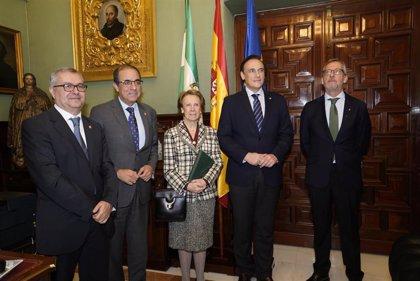 Las universidades de Sevilla y Córdoba homenajean a Pilar León por su jubilación
