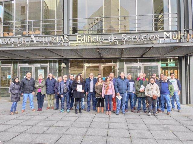 Apicultores asturianos registran la solicitud de IGP En Oviedo