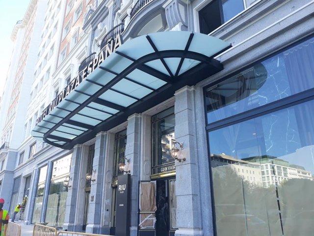 Imagen de archivo de la entrada al edificio del hotel RIU Plaza España.