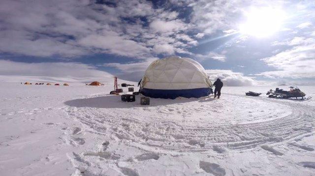 Trabajo sobre un glaciar en Tibet
