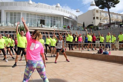 El Consell de Mallorca impulsa la práctica de deporte en familia con jornadas de senderismo y actividades acuáticas