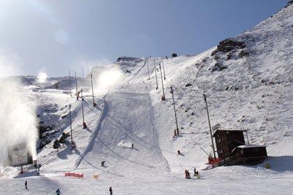 Sierra Nevada (Granada) ampliará a 70 kilómetros la superficie esquiable este fin de semana tras las nevadas caídas