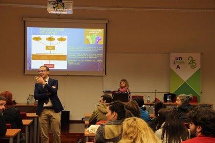 El Vicerrectorado de Estudiantes y Empleabilidad presenta en Baeza los proyectos de la UNIA para su alumnado