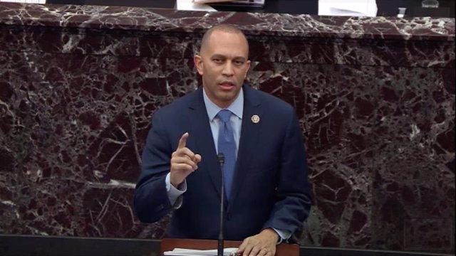 Hakeem Jeffries, el congresista y 'fiscal' demócrata en el 'impeachment' contra el presidente de Estados Unidos, Donald Trump.