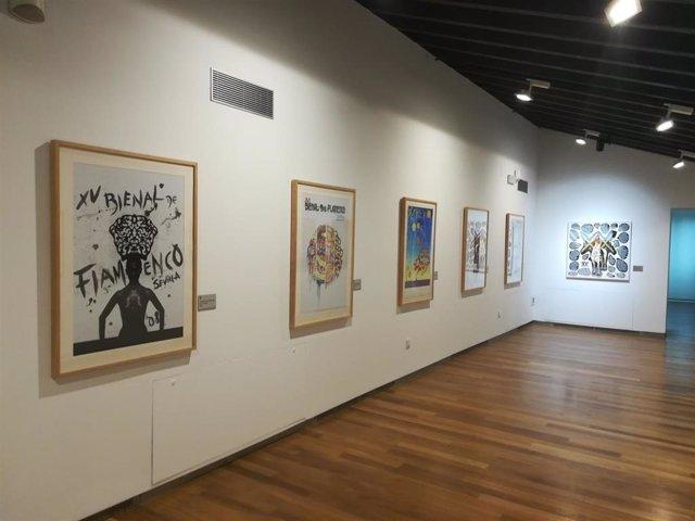 Nombres y carteles de la historia de la Bienal se muestran de forma permanente en el Centro Cerámica Triana.