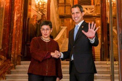 """Guaidó mantiene un encuentro """"muy productivo"""" de 45 minutos con la ministra de Exteriores"""