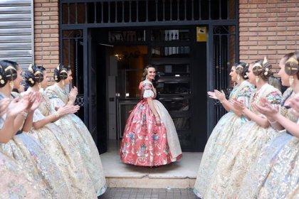 Consuelo Llobell desvela un espolín rosa oporto para su acto de Exaltación como Fallera Mayor de València 2020