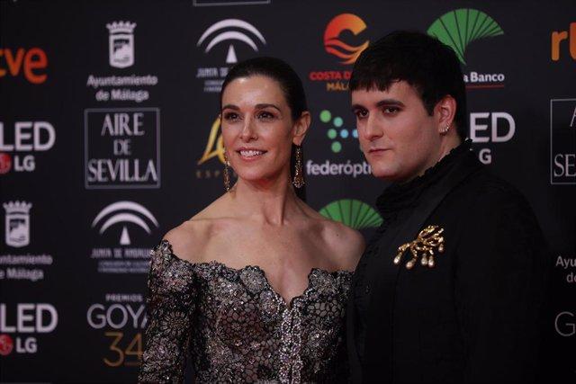 El diseñador Palomo Spain y la presentadora Raquel S-anchez Silva, posa en la alfombra roja de la XXXIV edición de los Premios Goya, en Málaga (Andalucía, España), a 25 de enero de 2020.