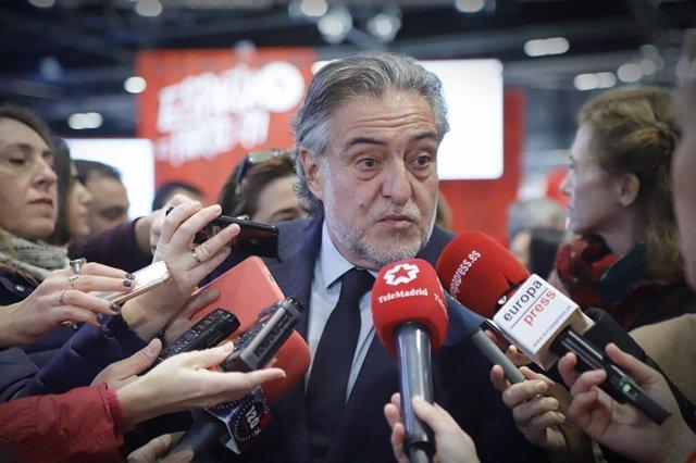 Imagen de recurso del portavoz del PSOE en el Ayuntamiento de Madrid, Pepu Hernández, durante su visita a la Feria Internacional de Turismo (Fitur).