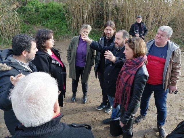 El portavoz de los comuns, Joan Mena, visita las zonas afectadas por el temporal 'Gloria' en Blanes