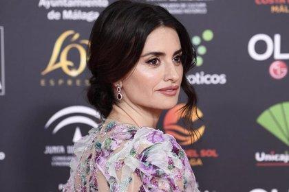 Penélope Cruz deslumbra en la alfombra roja de los Goya 2020