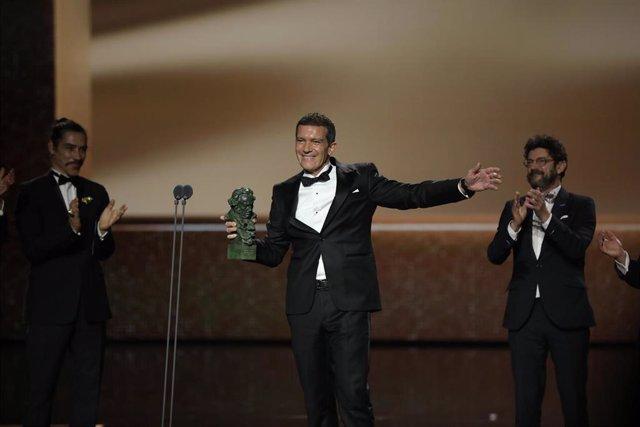 Mejor actor protagonista para  Antonio Banderas por Dolor y gloria en la XXXIV edición de los Premios Goya, en Málaga (Andalucía, España), a 25 de enero de 2020.