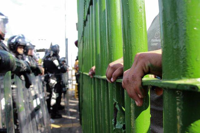Migrantes centroamericanos en la frontera sur de México.
