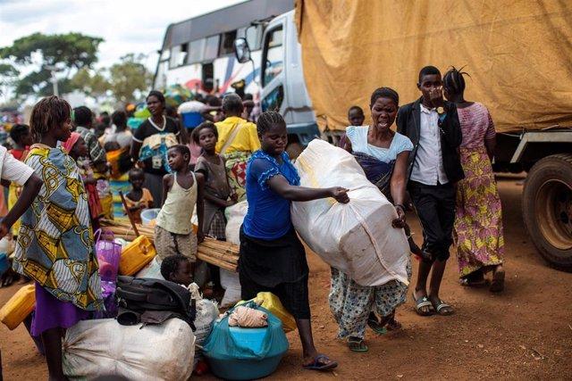 Desplazados por la violencia en Ituri (RDC) llegan a Uganda.