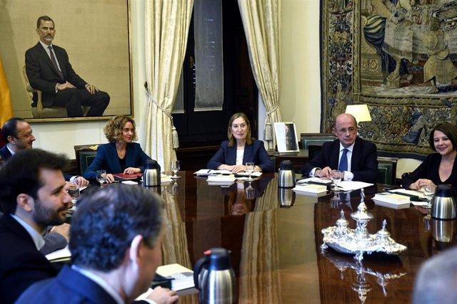 Reunión de la Mesa del Congreso presidida por Meritxell Batet