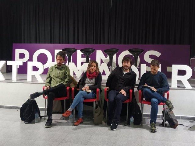 Rafa Mayoral y Alberto Rodríguez, junto a Jaén, en la asamblea en Cáceres